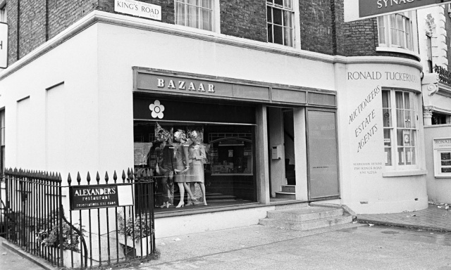 Mary-Quants-Bazaar-on-the-Kings-Road.-Photo-by-Bob-Thomas.